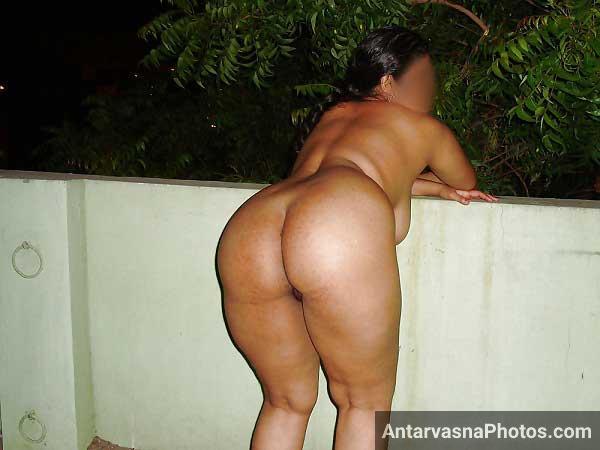 Mast gaand wali hot padosan aunty ke sexy pics