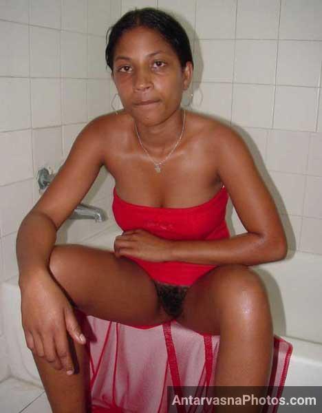 Hairy chut wali desi schoolgirl ki chut ke pics