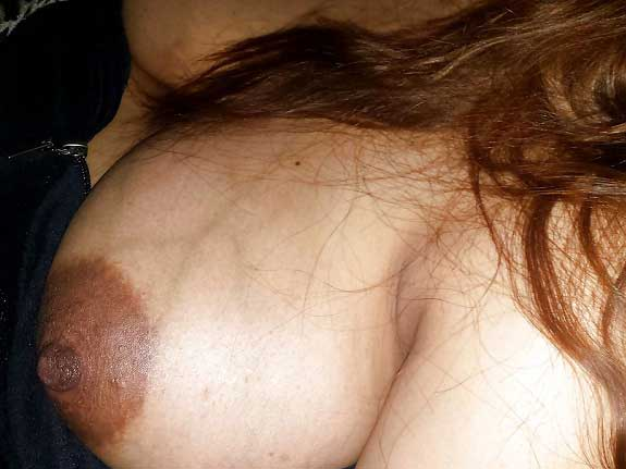 Horny Indian mummy ke bade boobs ke pics