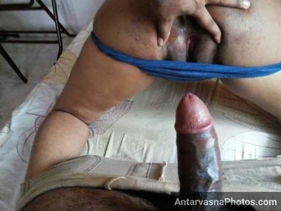 Condom laga ke husband wife ki chut chodne ke lie ekdam ready hi tha
