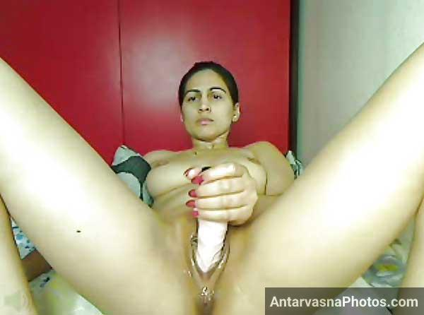 Bhabhi ki wet chut me dildo - Antarvasna desi Indian sex photos