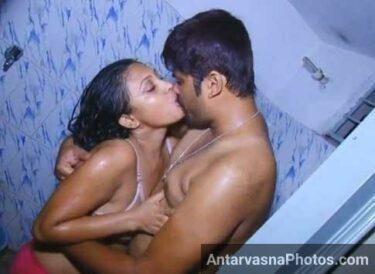 Kavita bhabhi ke hot Indian romance photos