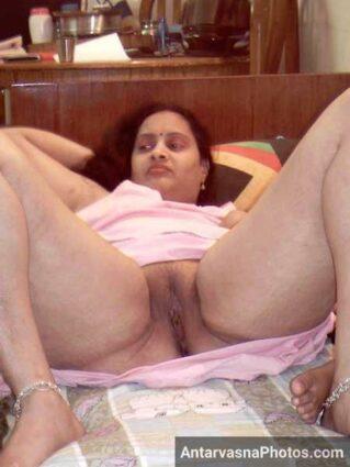 Mast mamme aur sexy chut wali Deepa bhabhi ka hot photo