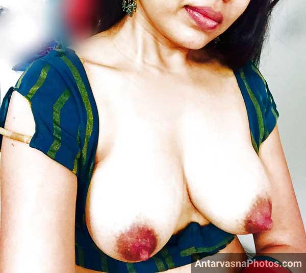 Big boobs wali Savita bhabhi ke Indian honeymoon sex pics