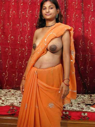 Horny Pinki bhabhi ne sexy boobs khole - Marathi sex photos