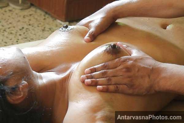 Hot aunty massage sex pics
