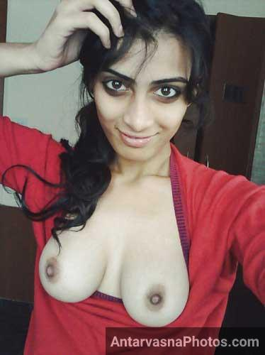 Maine apne sexy boobs apne mangetar ke lie khol diye