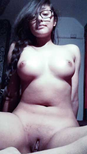 Nude desi girl ki chut sex chat me khuli