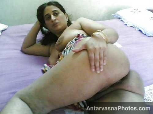 Meri randi padosan ki sexy gaand ka photo