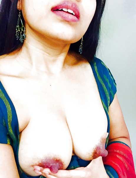 Savita bhabhi ne apni chunchiya husband ko dikha ke uska lund khada kar diya