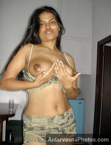 Hotel me hot Tamil wife ne pati ke lie apne boobs khole