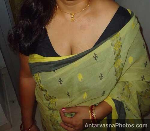 Jaya aunty saree me big chuchi photo