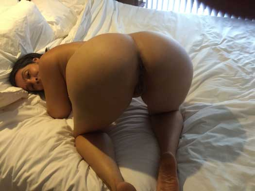Hot ass wali sexy wife ke pics