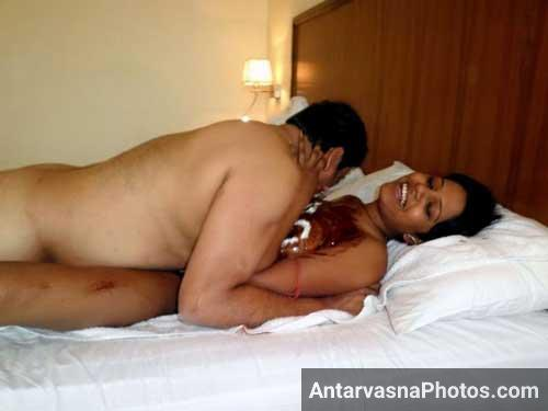 Office ki hot bhabhi ke sath chocolate sex kiya