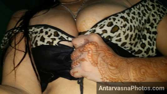 Hot Pakistani ladki ke busty boobs ka photo
