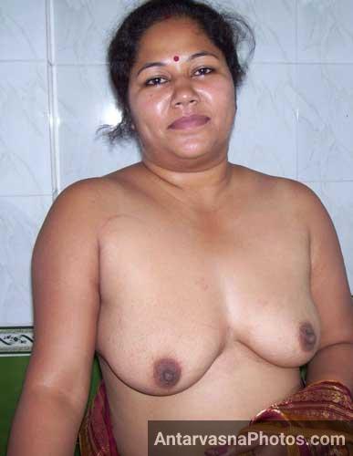 Mummy ki saheli meri secret rakhel - Desi milf big boobs pics