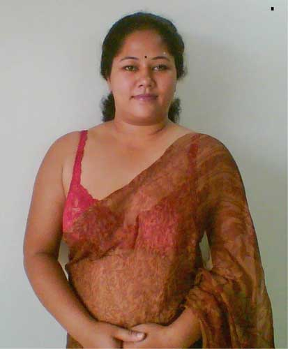 Mummy ki hot saheli ka sexy badan saree ke andar - Mallu desi milf pics