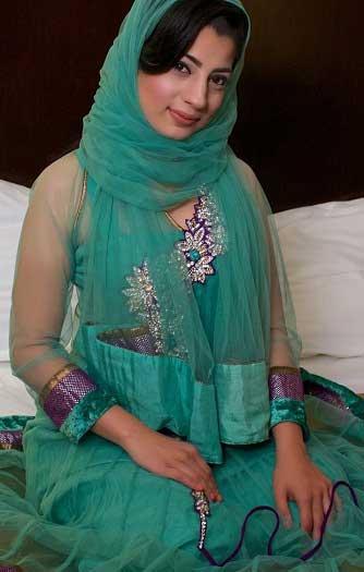 Mere boss ki sexy muslim wife ke hot pics
