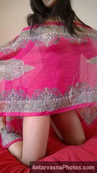 Diana bhabhi ne badan ko saree se dhank liya