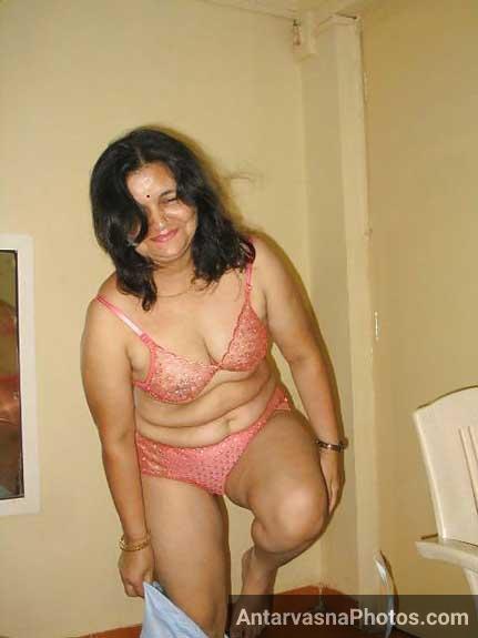 Aunty ki hot bra aur panty ke pics