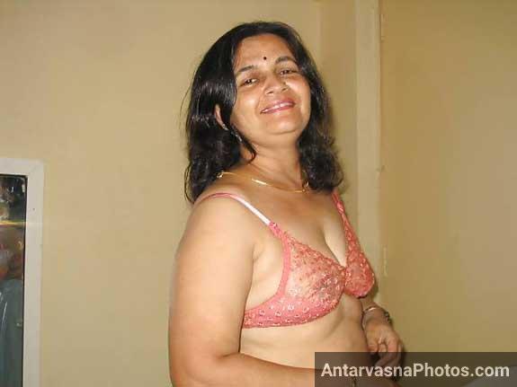 Aunty ki sexy bra pink wali - Desi sex pics