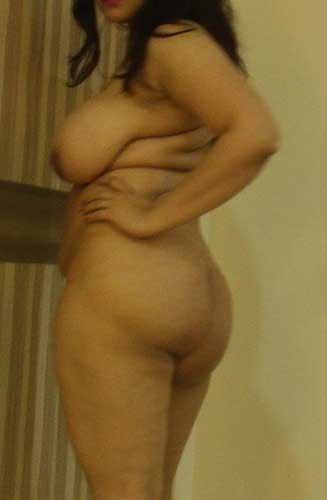Big boobs aur hot ass wali sexy Punjabi aunty