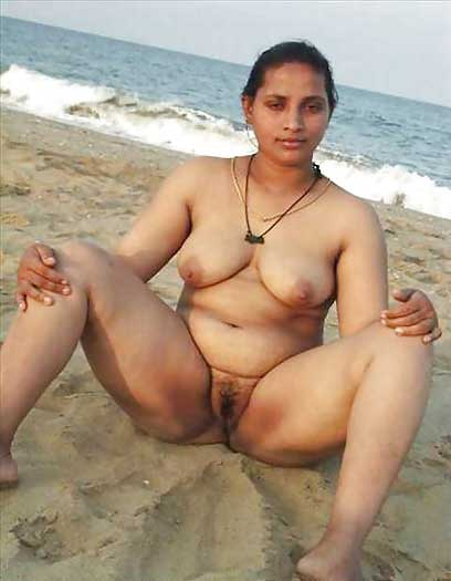 indian-nudes-at-beach