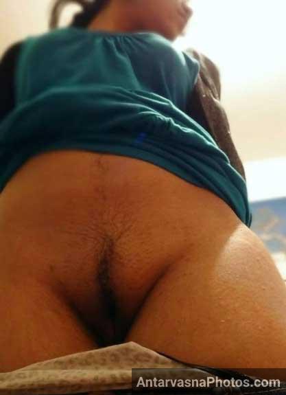 Desi Indian ladki ki sexy komal chut ke pics