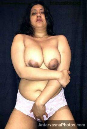 Big boobs Pakistani aunty ke nude pics