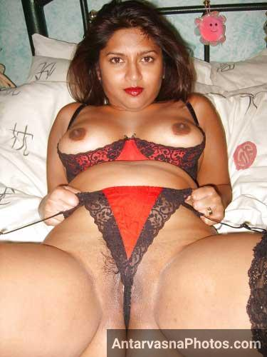 Meri hot mummy ki gandi panty wali photo