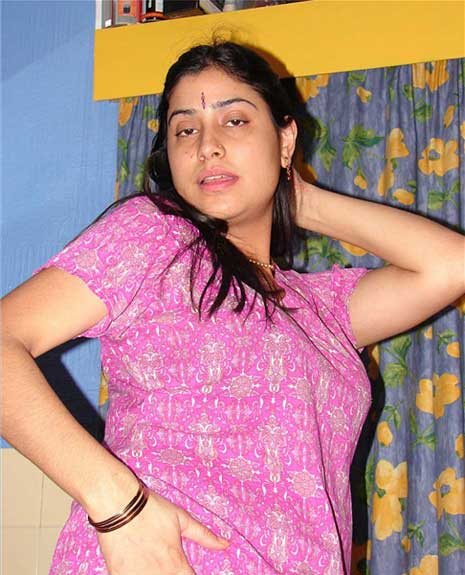 Mumbai wali sexy Priya bhabhi ke latke zatke