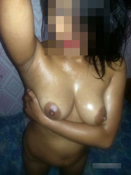 Sexy Indian college gir nude pics