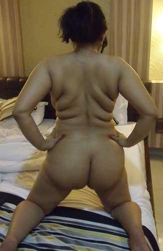 Sexy makanmalikin aunty ki big ass ke pics