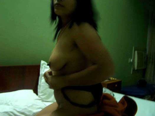 Big boobs wali Solapur ki sasti randi ke pics