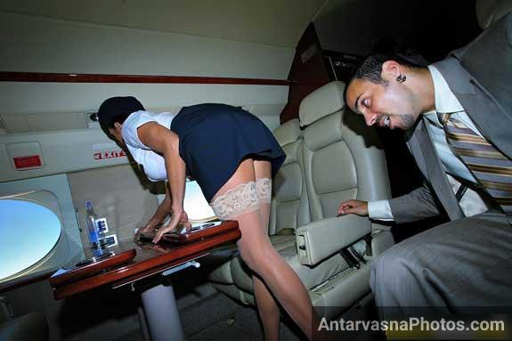 Airhostess ki skirt par nazar padi to lund khada ho gaya