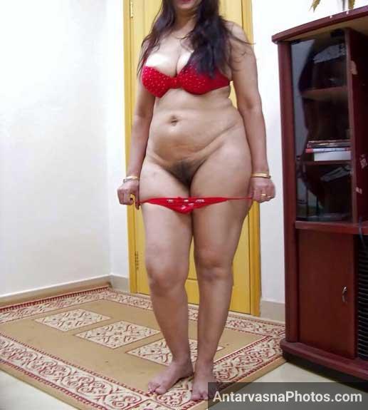 Big boobs wali moti bhabhi ne apni chut khol ke dikhai