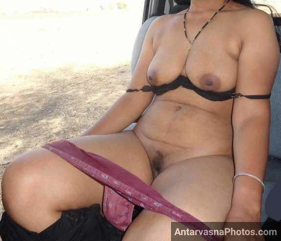 Sexy chachi ji ne apni panty kholi