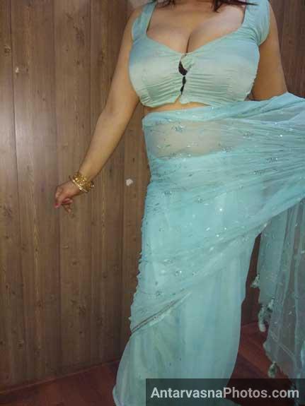 Shelja aunty ne apni sexy saree dikhai