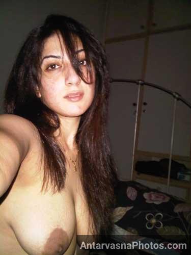 Salma anti ne apne lover ke lie boobs khole