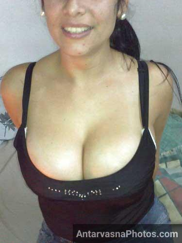 Big boobs wali gori randi ne kapde khole apne