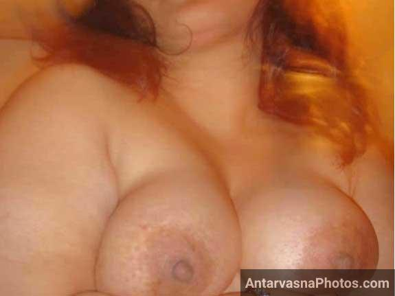 Busty mami ne apne bade boobs dikhaye
