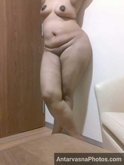 Padosan bhabhi Madhwi ki big ass aur chut dekhi