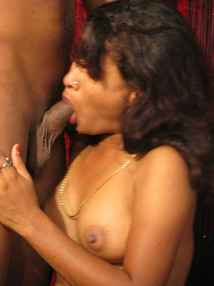 Hot Indian bhabhi blowjob ki expert he