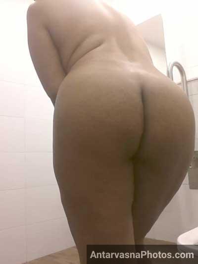 Madhwi bhabhi ne apni sexy gaand dikhai
