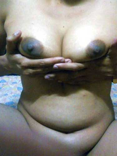 Mausami bhabhi ke sexy boobs