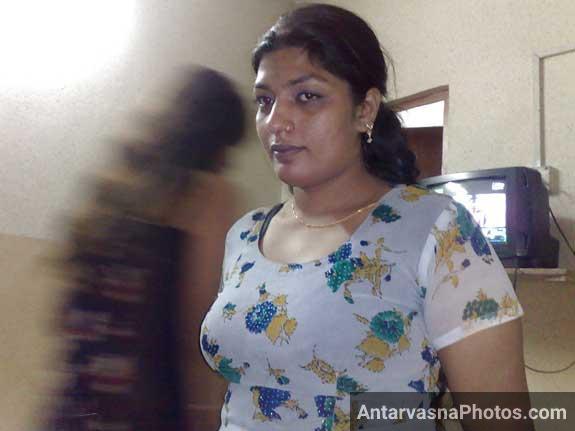 Mumbai ki sexy randi ke bade boobs kapdo ke andar chhipe hue he