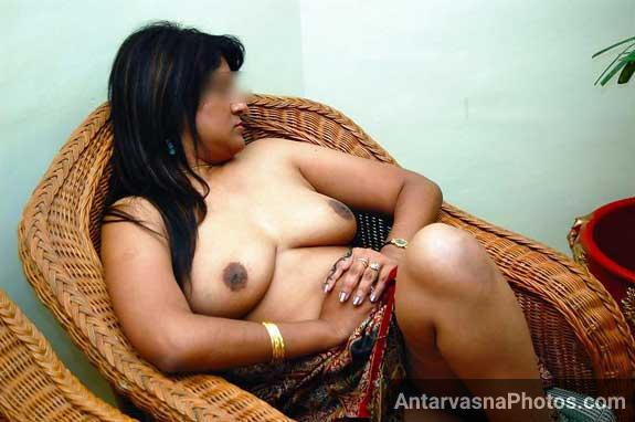 Anamika ke big Indian boobs