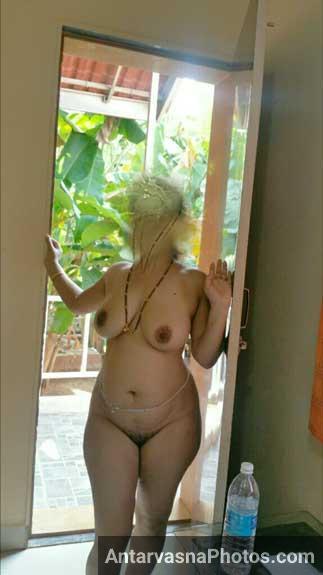 Big boobs wali Indian nudist wife ke pics