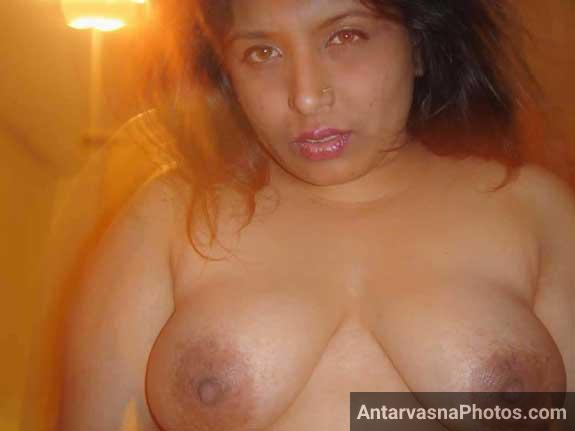 Sexy mami ke bade desi boobs dekhe
