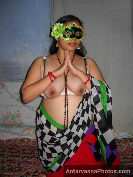 Big boobs wlai Velamma bhabhi ka namaste - Porn pics